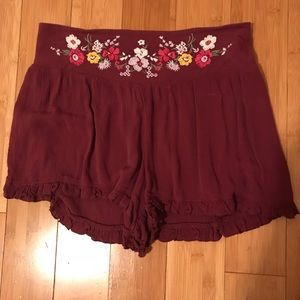 Boho Floral Embroidered Shorts! Worn Once!
